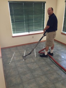 Carl cleaning tile2